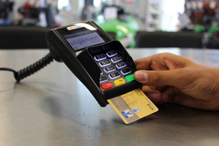 Nowoczesne rozwiązania w płatnościach – zapomnij o gotówce